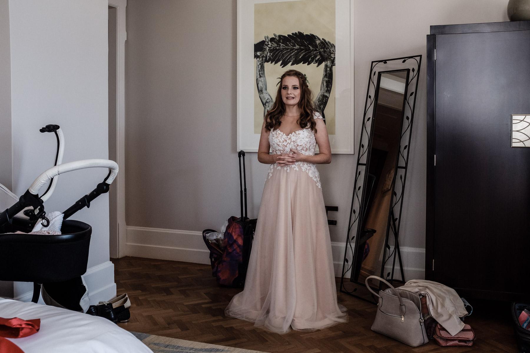 MartinLiebl_Kein_Hochzeitsfotograf_No_Wedding_Photographer_Budapest_Gresham_Palace_015.jpg