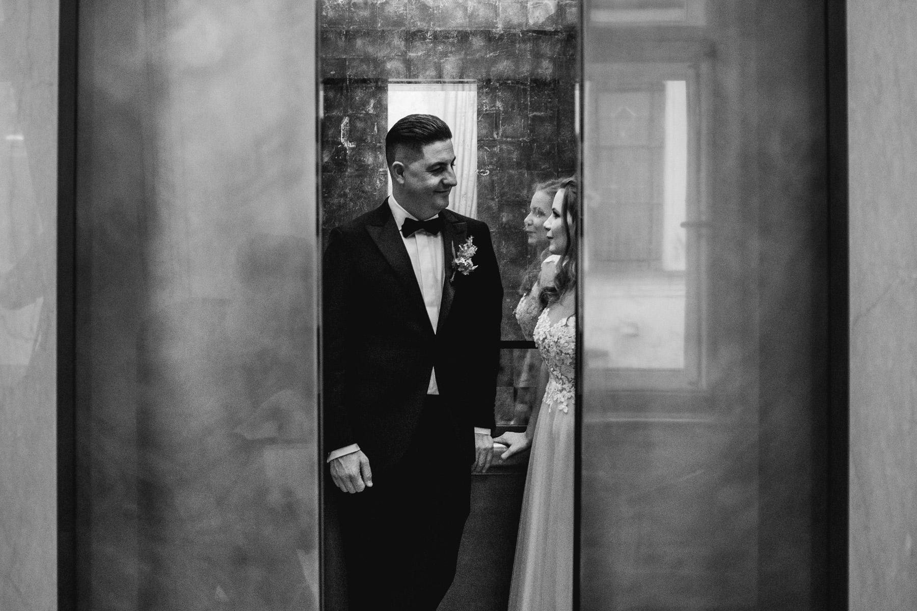 MartinLiebl_Kein_Hochzeitsfotograf_No_Wedding_Photographer_Budapest_Gresham_Palace_020.jpg