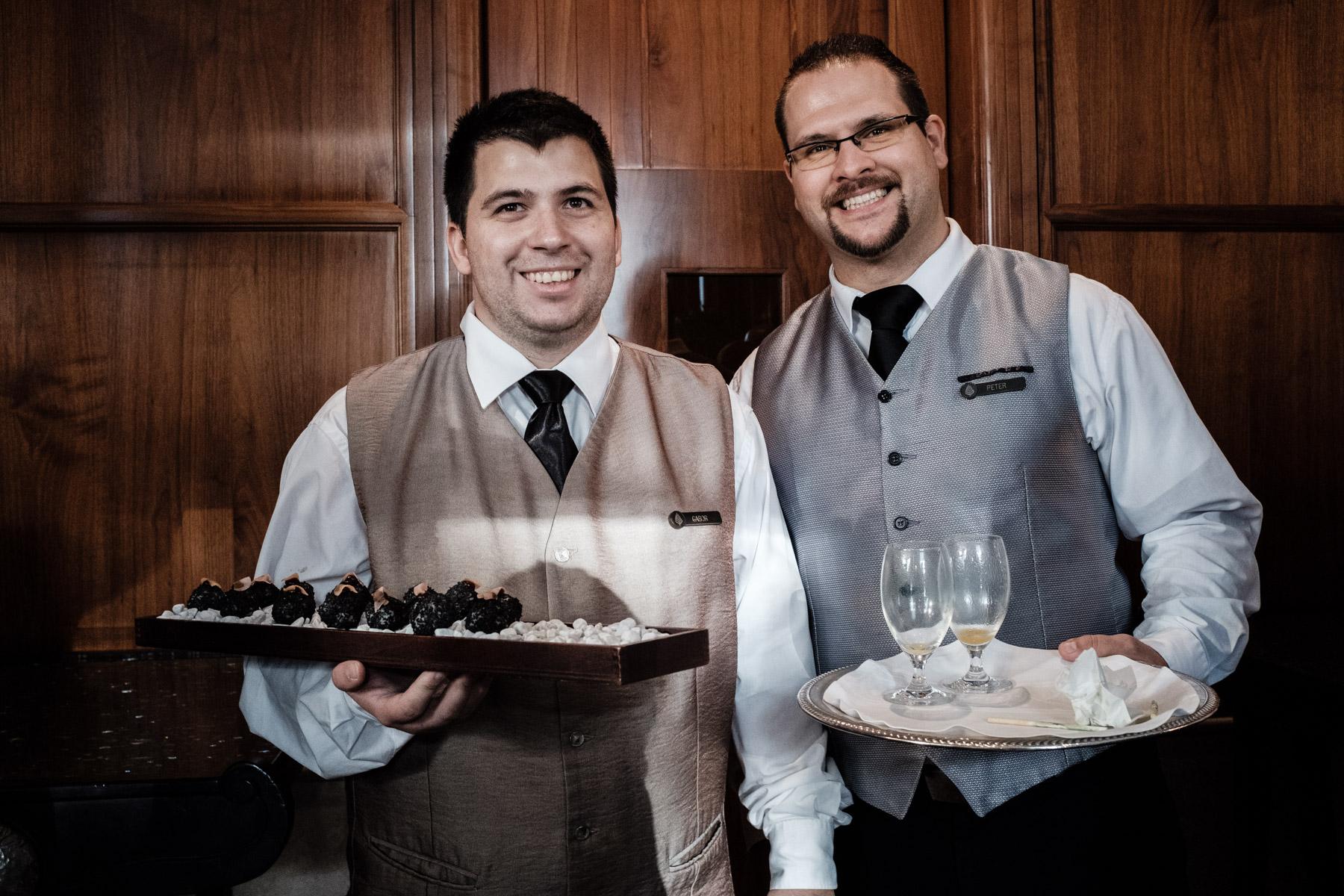 MartinLiebl_Kein_Hochzeitsfotograf_No_Wedding_Photographer_Budapest_Gresham_Palace_031.jpg