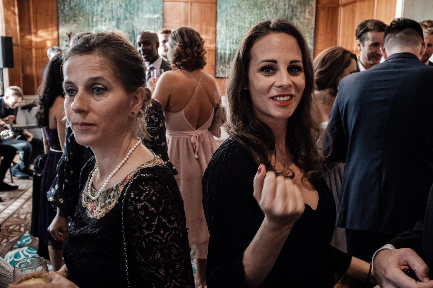 MartinLiebl_Kein_Hochzeitsfotograf_No_Wedding_Photographer_Budapest_Gresham_Palace_032.jpg