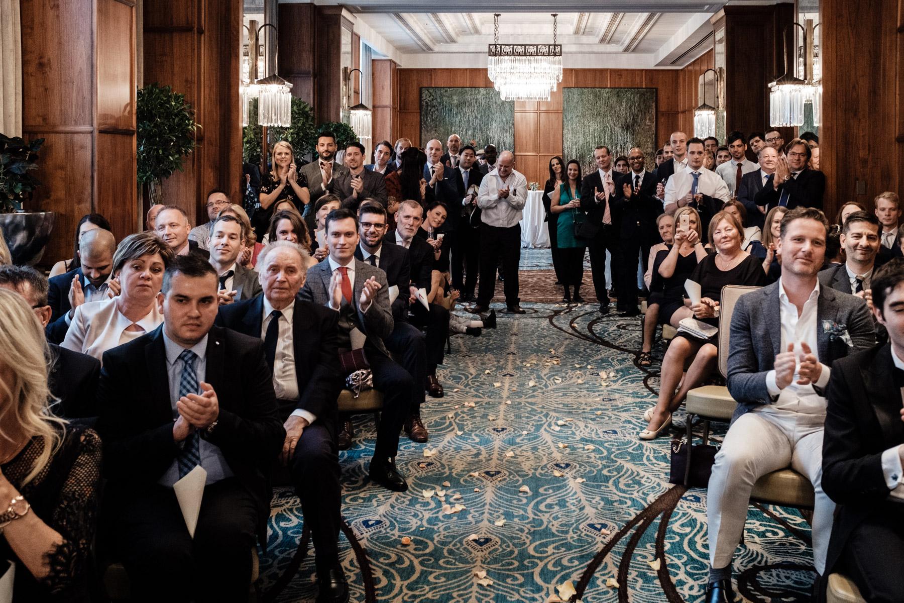 MartinLiebl_Kein_Hochzeitsfotograf_No_Wedding_Photographer_Budapest_Gresham_Palace_043.jpg