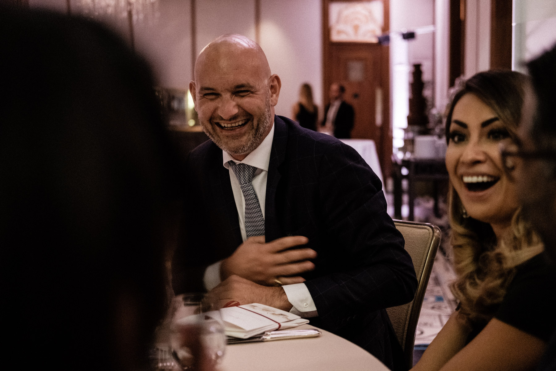 MartinLiebl_Kein_Hochzeitsfotograf_No_Wedding_Photographer_Budapest_Gresham_Palace_058.jpg
