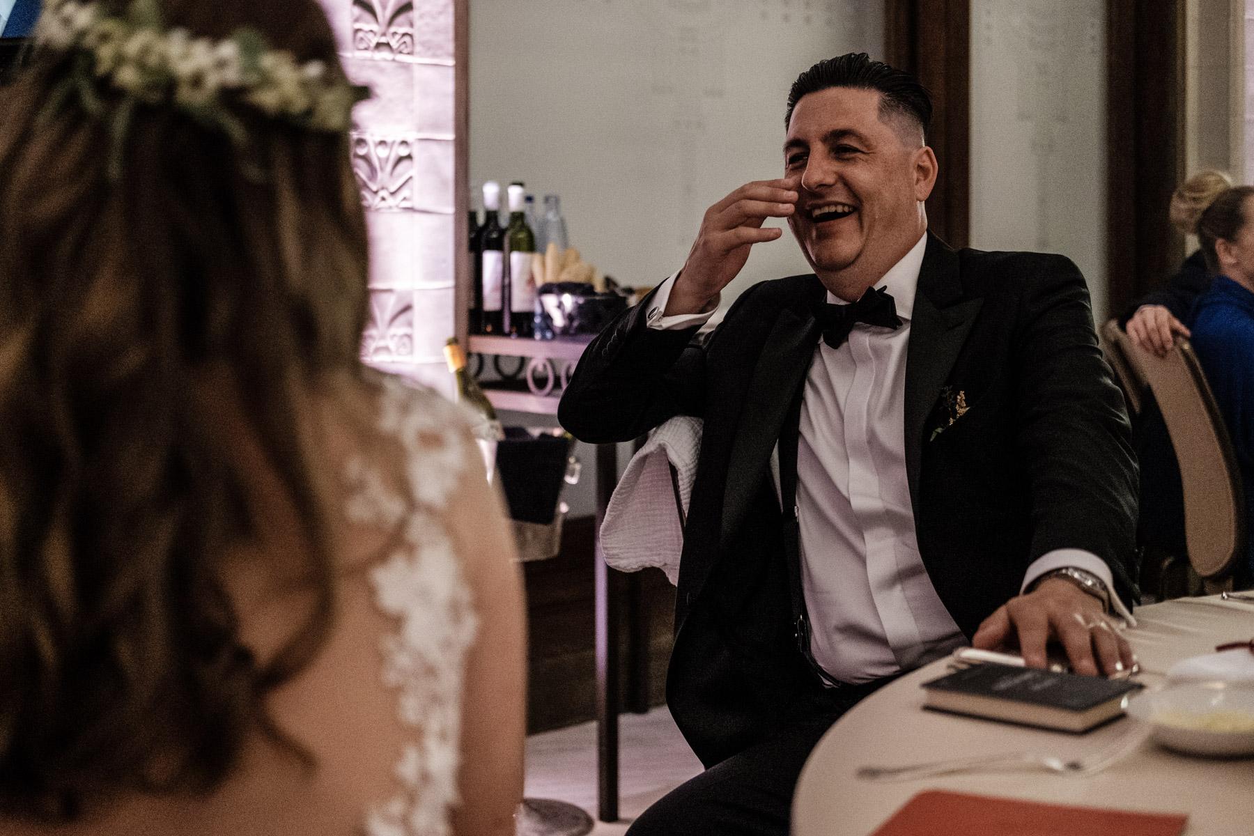 MartinLiebl_Kein_Hochzeitsfotograf_No_Wedding_Photographer_Budapest_Gresham_Palace_067.jpg