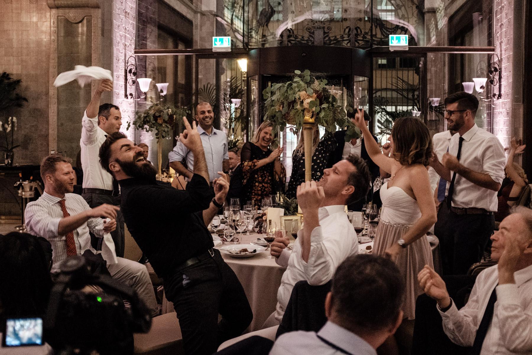 MartinLiebl_Kein_Hochzeitsfotograf_No_Wedding_Photographer_Budapest_Gresham_Palace_070.jpg