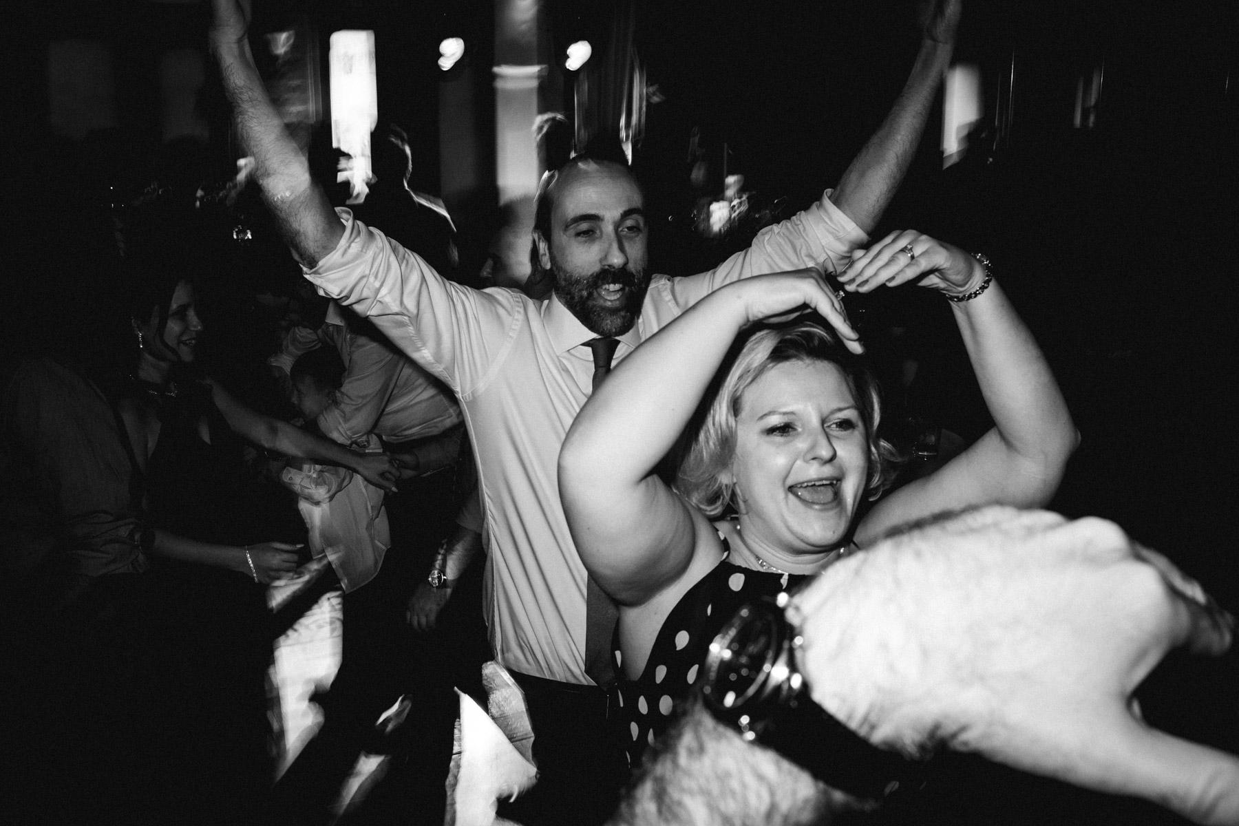 MartinLiebl_Kein_Hochzeitsfotograf_No_Wedding_Photographer_Budapest_Gresham_Palace_088.jpg