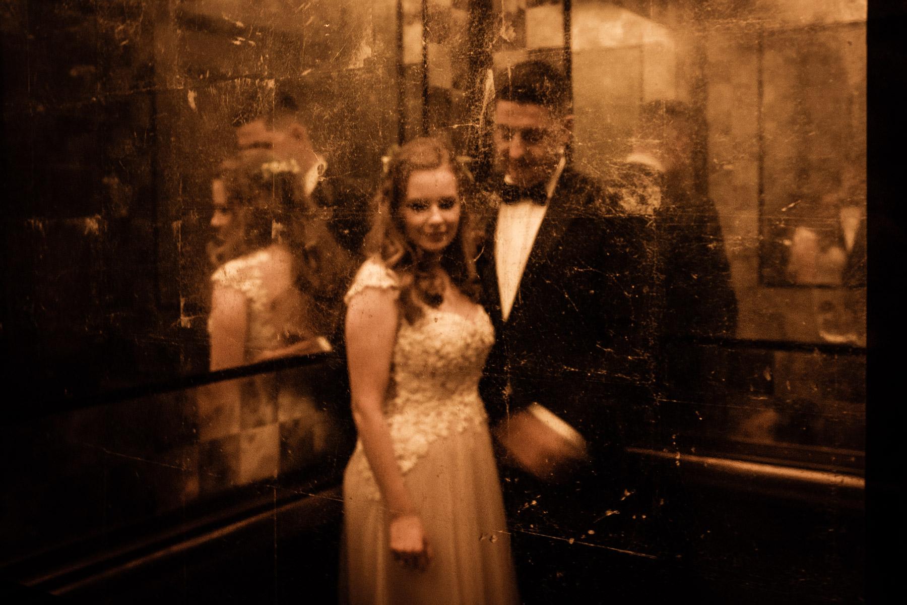 MartinLiebl_Kein_Hochzeitsfotograf_No_Wedding_Photographer_Budapest_Gresham_Palace_20a.jpg