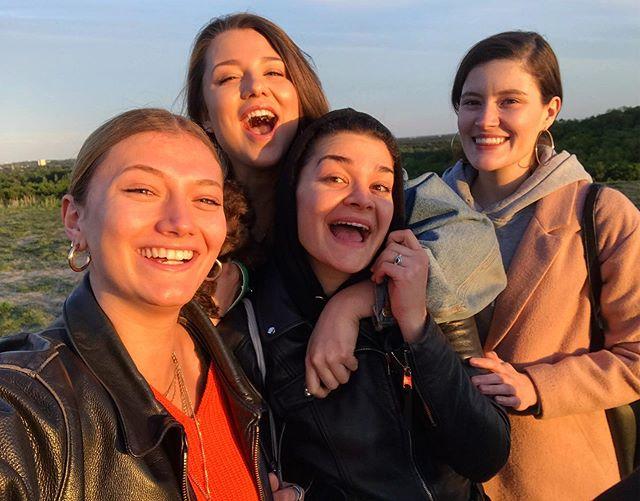 Freundschaft wärmt die Seele, wenn sich die Sonne mal wieder versteckt ❤️