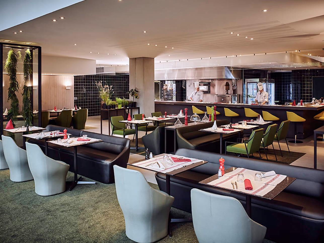 Dining Room - Hotel Pullman Paris at CDG
