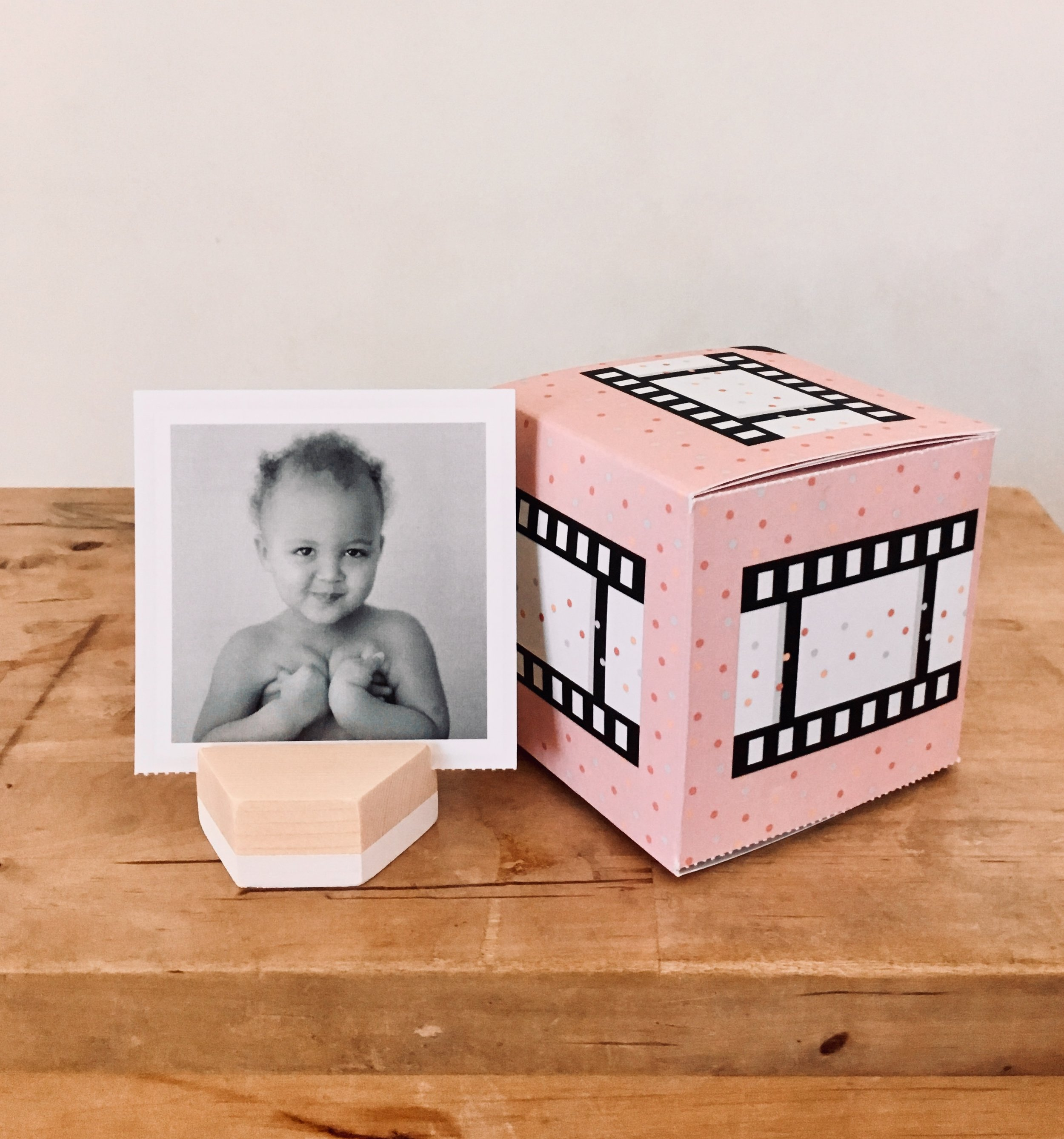I give my clients this cute wood photo stand, which is PERFECT for the little detachable photos that come with every Greetabl. P.S. you can upload the photos straight from Instagram or your computer! So. Easy.