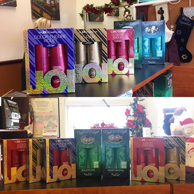 Its that time of the year again, Shampoo and conditioner gift sets, its the perfect gift & a great value !! 🎊🎄☃️❄️👸🏼💁🏻💇🏼💆🏻 Dont forget our everyday , any length , Blowout special of $21 !!! #lookgoodfeelgood #joico