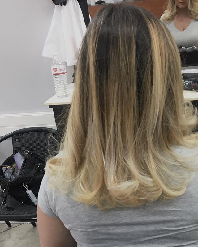 Beautiful Balayage, Cut & Blowout By Kim🤗 at our annadale location.  #hairexpress #lookgoodfeelgood #balayage #haironearth  #blonde #haircut