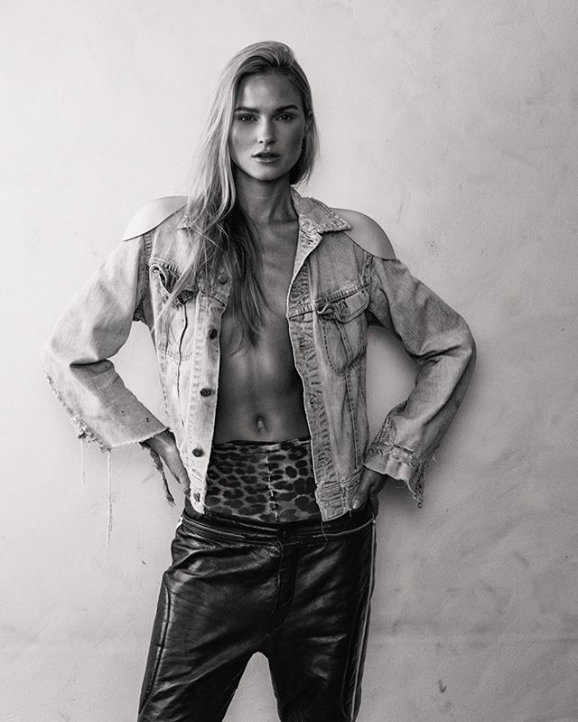 A L E X A N D R A  Model @alexandra_burman  Style @jb_valor  Hair & Make @hannafoglermua  Agency @lindmodels