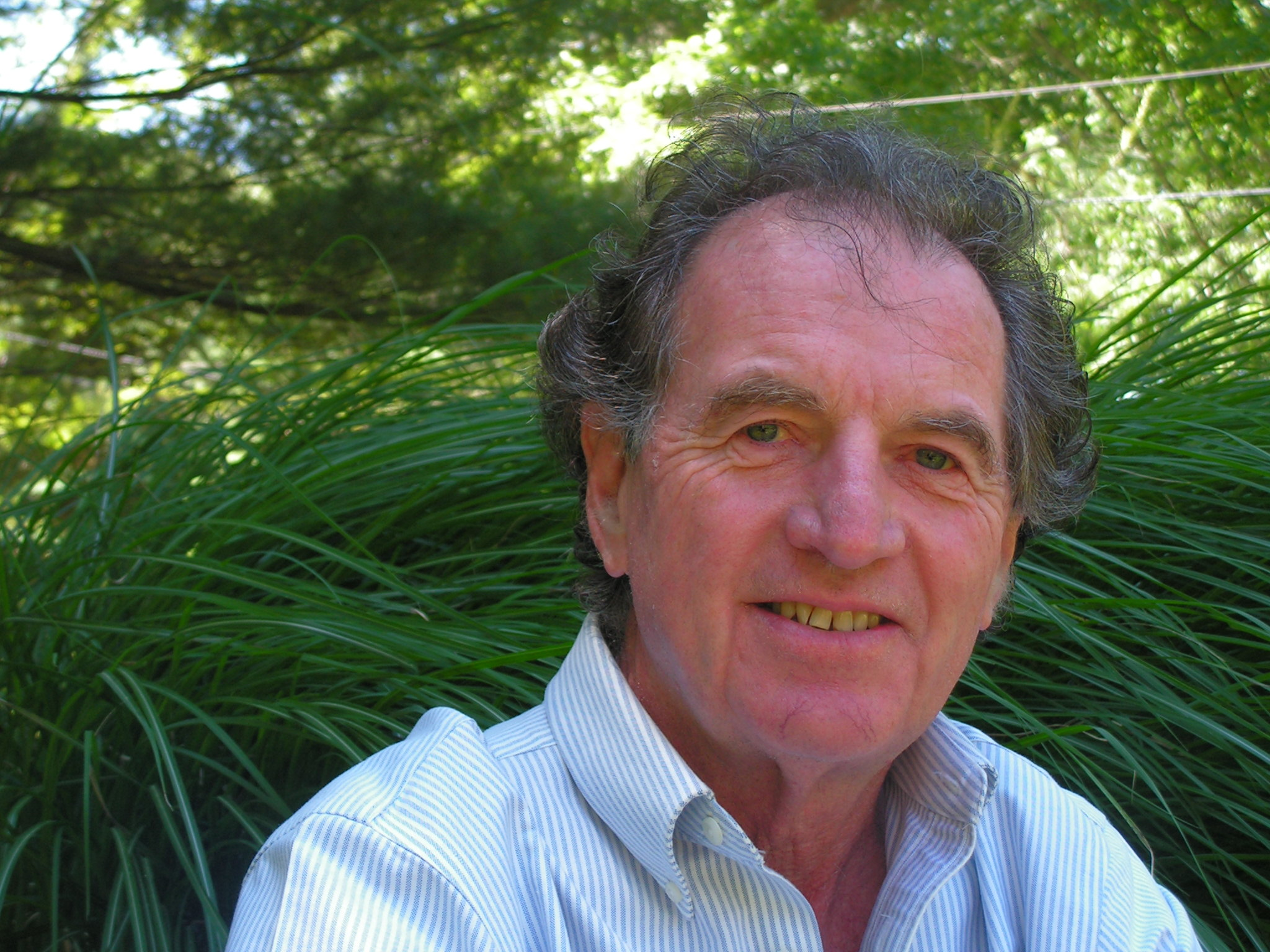Danny Martin  is a coach who has a strong practical and theoretical foundation in ecology, philosophy, spirituality, communication, and leadership. A long time coach with many years of experience in designing, training and facilitating dialogues in multiple contexts including spiritual guidance.