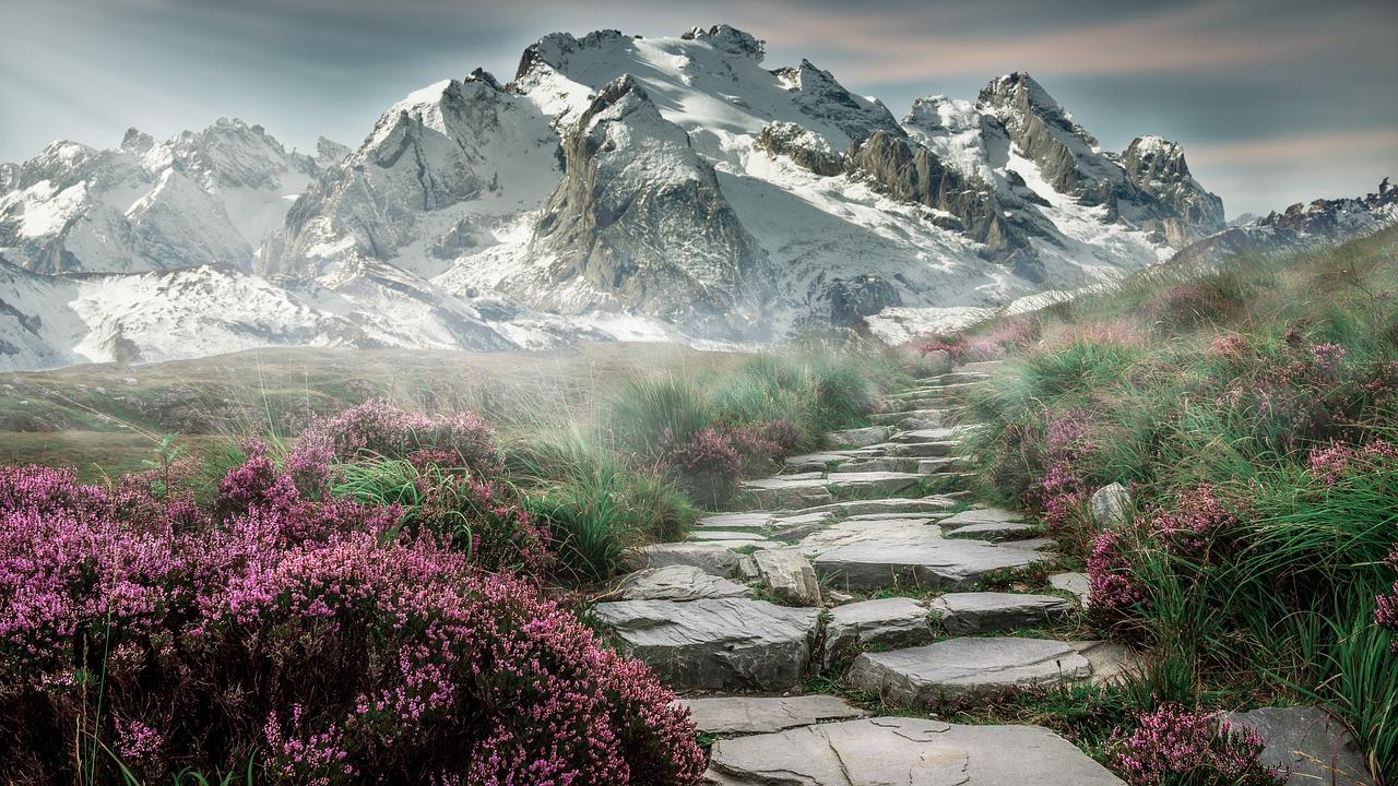 Mountain Landscape_1280.jpg