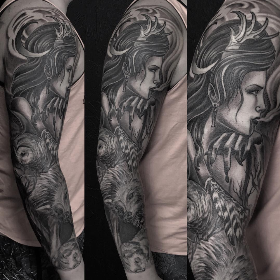 black and grey sleeve.png