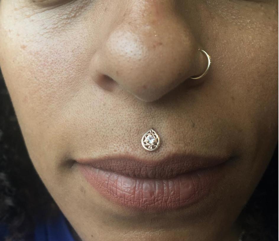 philtrum piercing.png