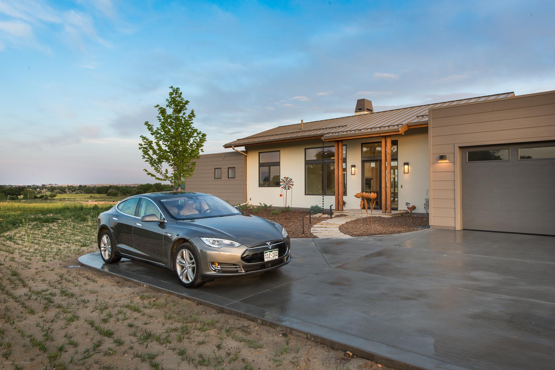 Daylight Front_Tesla.jpg