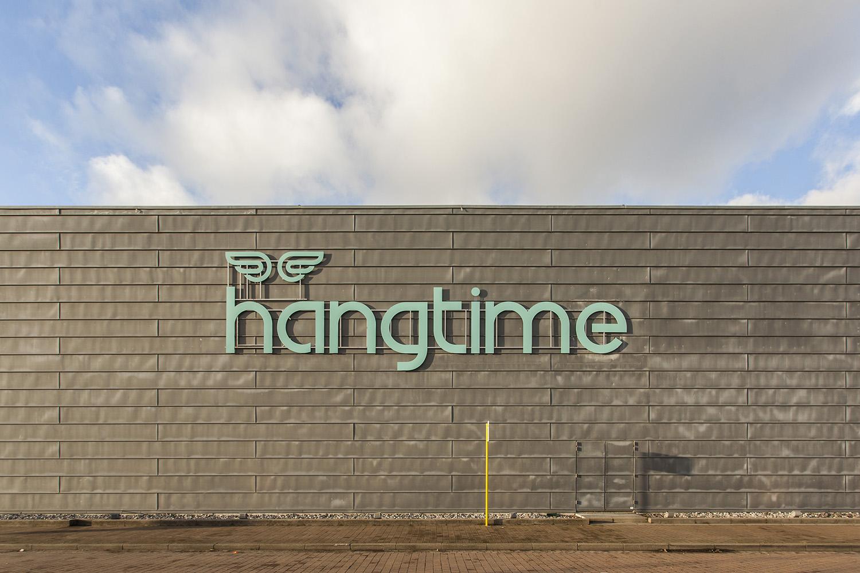 Hangtime_1704 small.jpg
