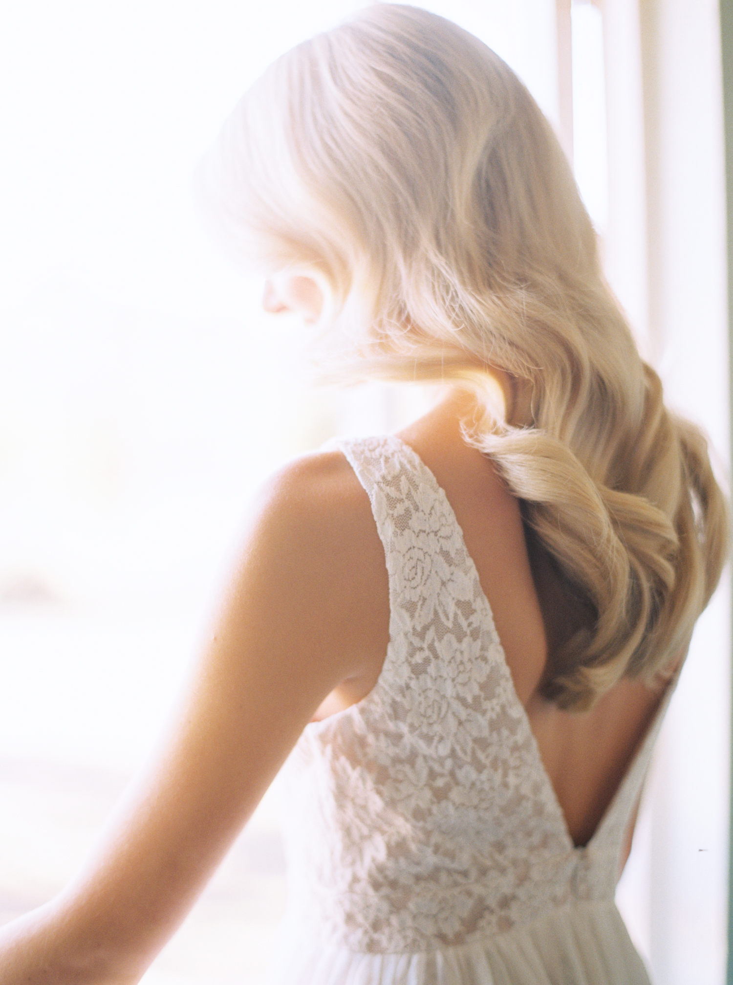 7-perfect-down-hairstyles-for-wedding-day-jenna-mcelroy-6