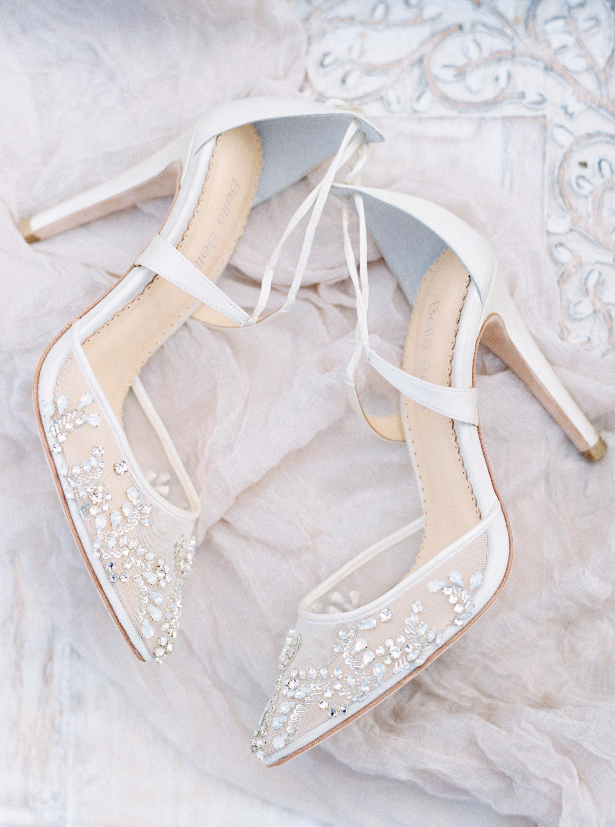 bella belle shoes austin wedding photographer jenna mcelroy