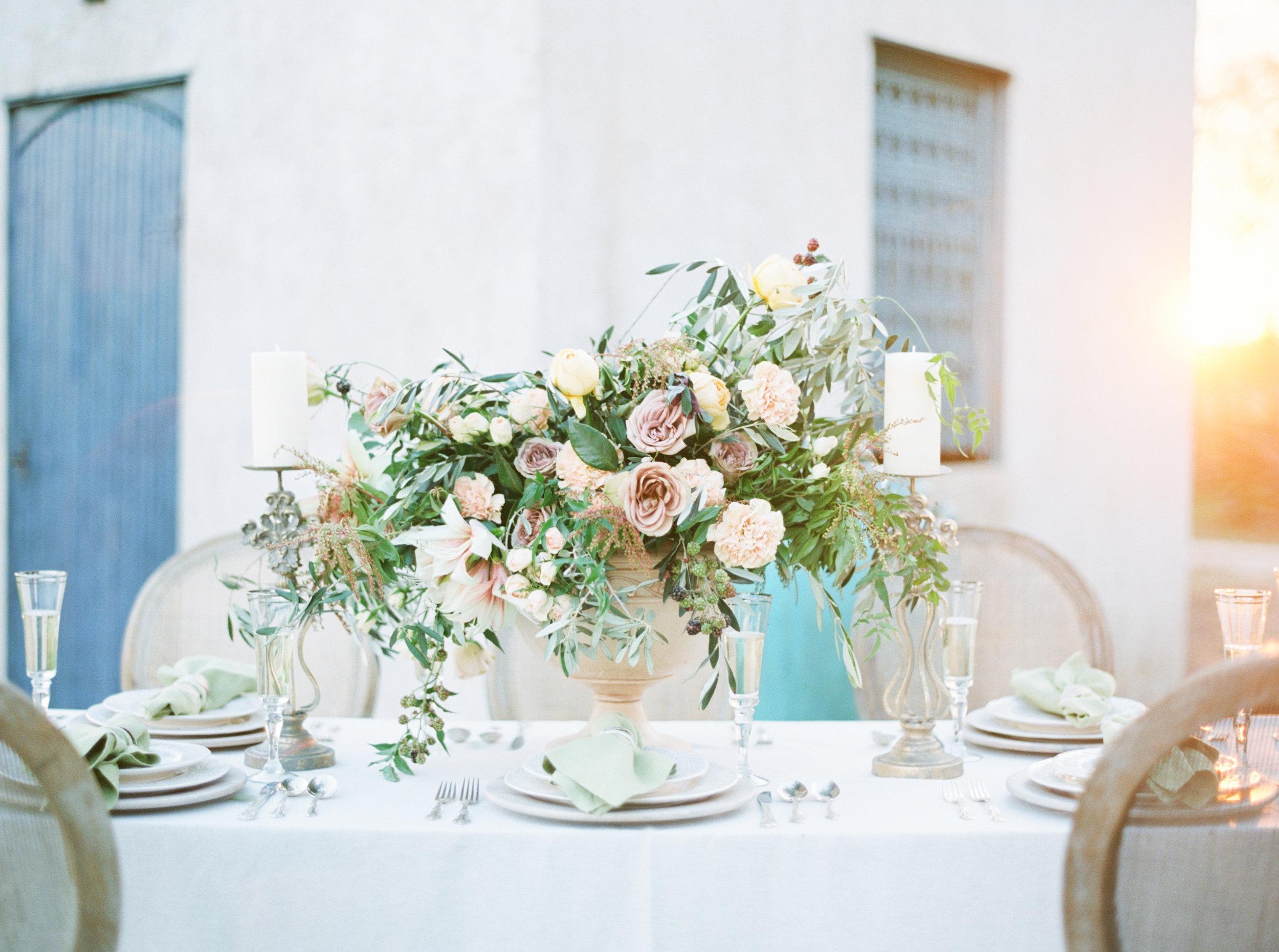 floral centerpiece austin wedding photographer jenna mcelroy