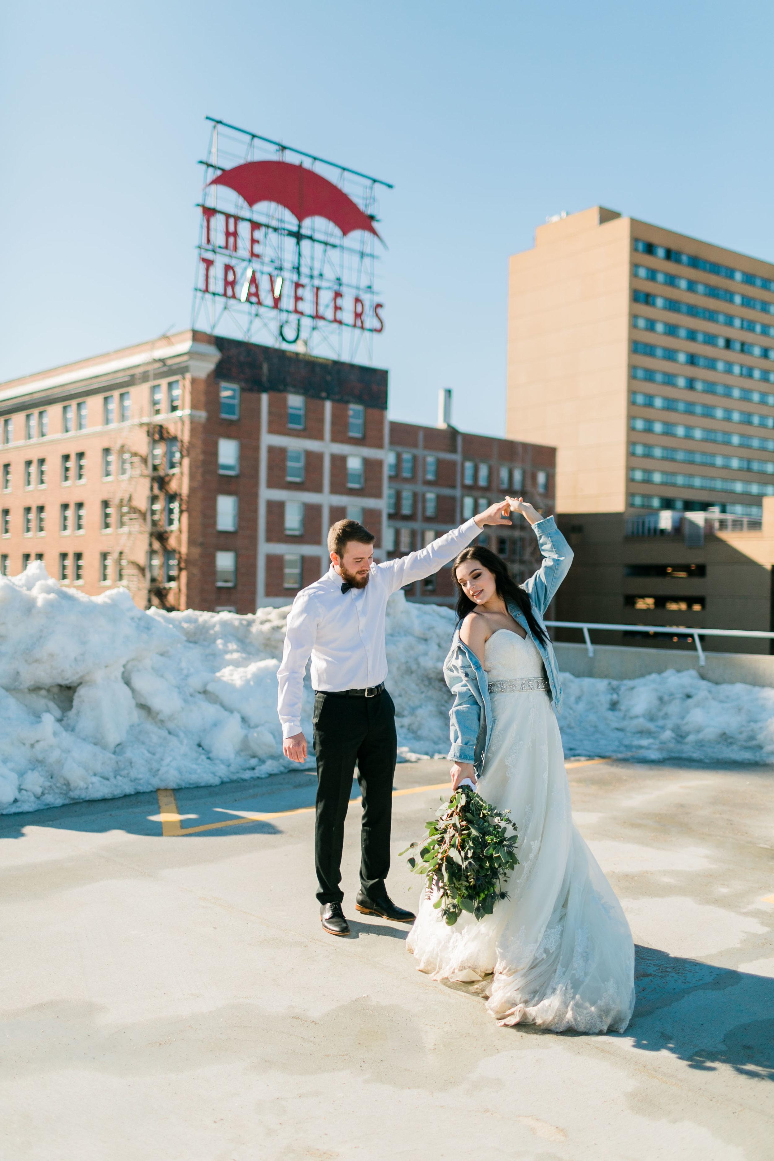 IMG_4157.jpgDes Moines Iowa Wedding Photographer