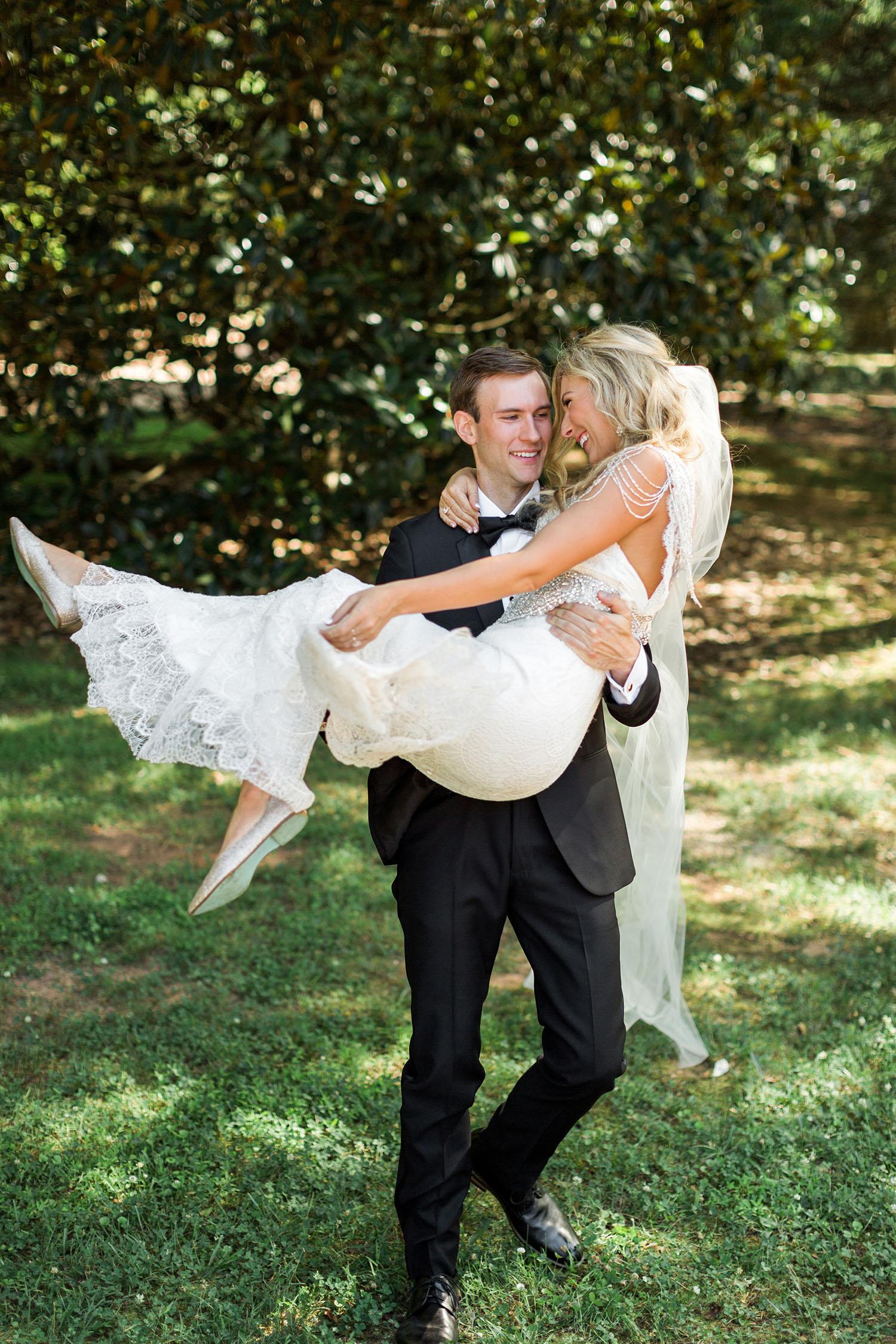 Brittany&WesWedding_RusticWhite_243.jpg