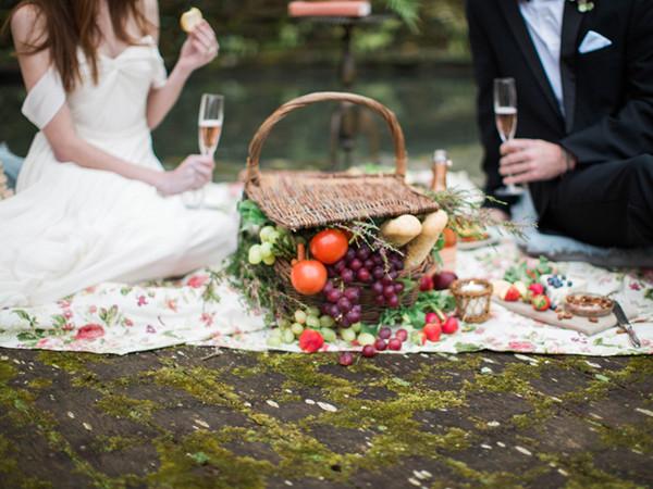 European-Garden-Wedding-Inspiration-Dunaway-Gardens-0071-600x450.jpg