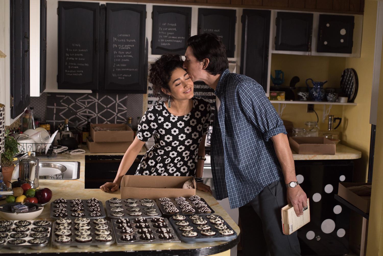 Laura drømmer om at kakene hennes gjør det stort på lørdagens Farmer's Market, og Paterson tipser vennene på puben om hvor de får kjøpt byens beste cupcakes neste lørdag.