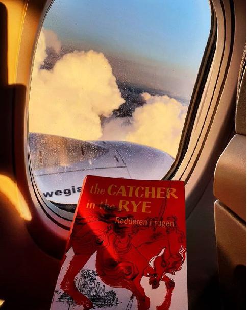 Med Salinger over skyene.