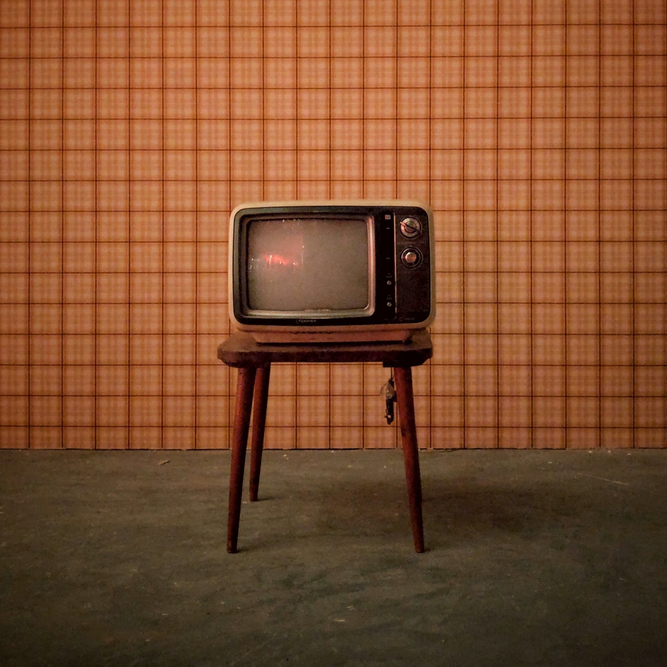 Hvis en tv-serie skuffer etter 5 episoder, ser du vel ikke 30 episoder til, bare fordi du ikke liker å gi opp? (Foto av  Ajeet Mestry .)