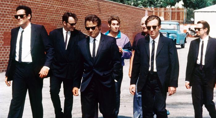 Sort dress, hvit skjorte og et tynt svart slips. Jeg vil nok ikke rane en bank, men hvis jeg skulle gjort det, vet jeg hva jeg ville hatt på meg.