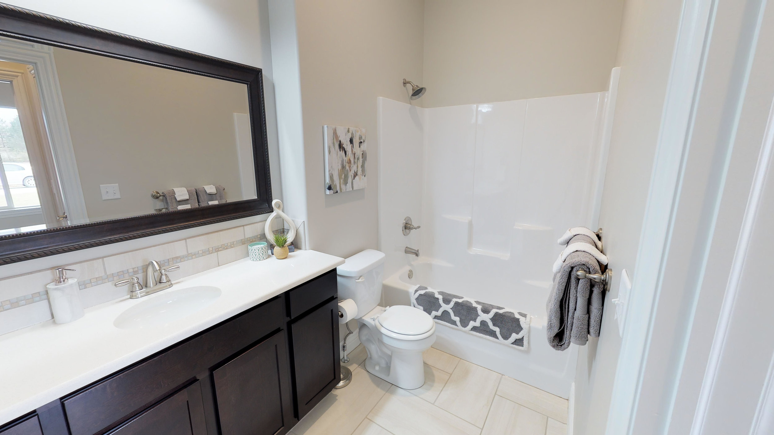 MGV 2418 Madison Villa 302  - Hall Bath.jpg
