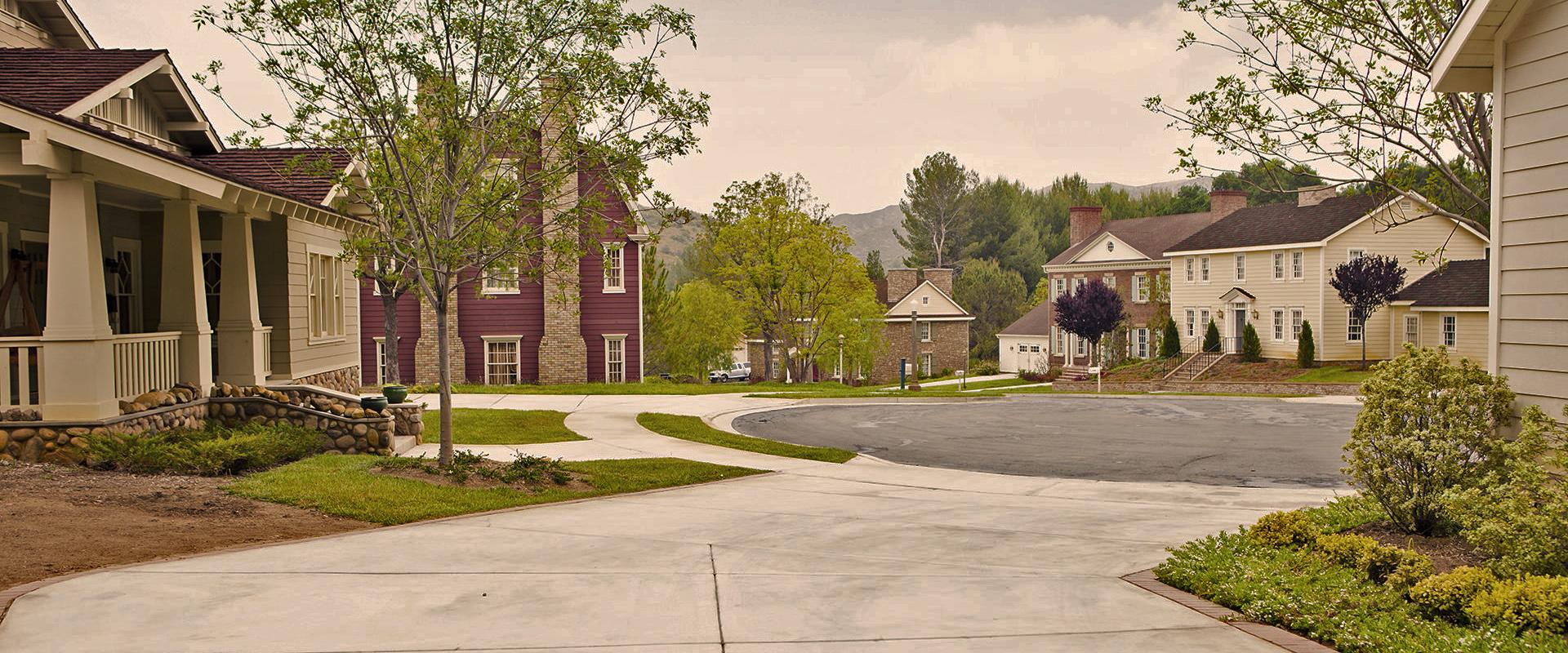 neighborhood-driveway-view_1.jpg