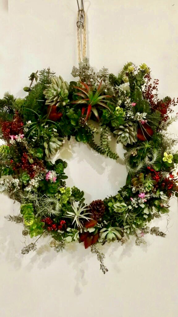 wreath hang2.jpg