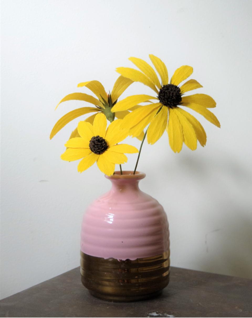 black_eyed_susan_purple_vase.jpg