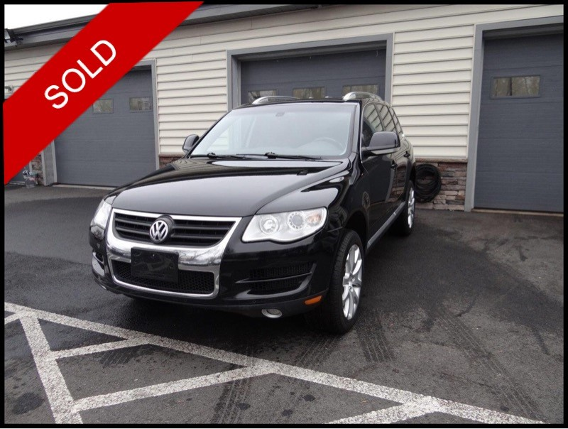 SOLD - 2010 VW Touareg TDIBlack on AnthraciteVIN: WVGFK7A99AD003592