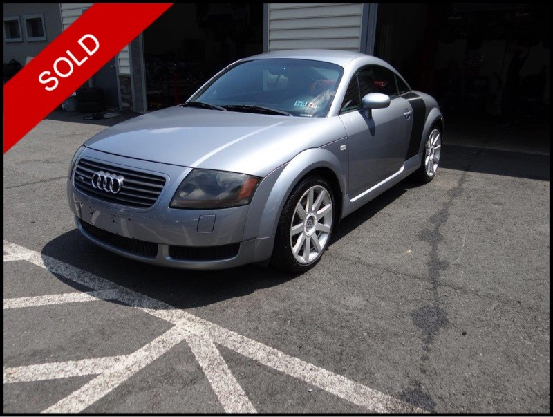 SOLD - 2002 Audi TT Coupe - ALMS EditionAvus Silver on Misano RedVIN: TRUWT28N121023061