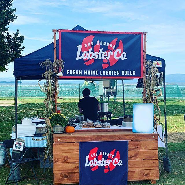 Setting up shop for @bhlobster vending @oktoberfestvermont - beautiful day lakeside!  #bhlobster #lobster #burlington #burlingtonVT #burlingtonvermont #ME⚡️VT #lakechamplain #lobsterrolls #lobster #lobsterbratwurst #vermonteats #burlingtoneats #oktoberfest #oktoberfestvermont