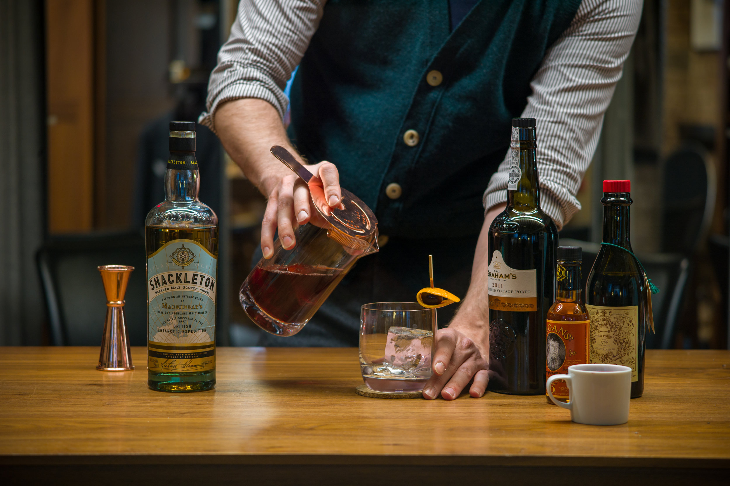Ardent x Shackleton Whisky Pour