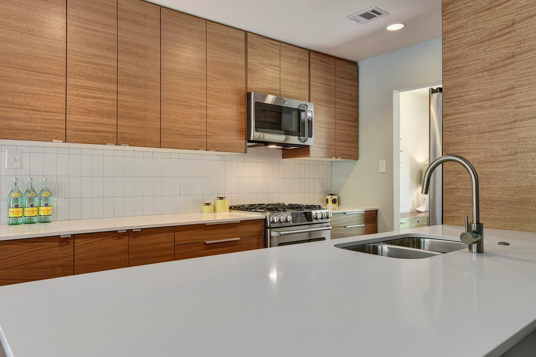 6910 Drexel Dr-large-025-15-Kitchen-1500x1000-72dpi.jpg