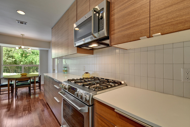 6910 Drexel Dr-large-029-21-Kitchen-1500x1000-72dpi.jpg