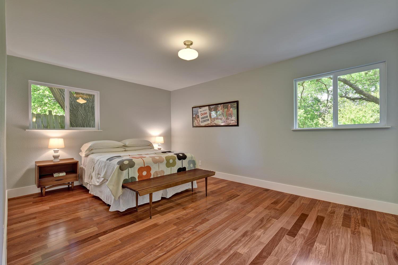6910 Drexel Dr-large-031-28-Master Bedroom-1500x1000-72dpi.jpg