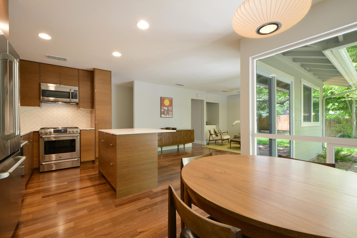 6704 Kings Point West-large-011-Kitchen and Breakfast 364-1499x1000-72dpi.jpg