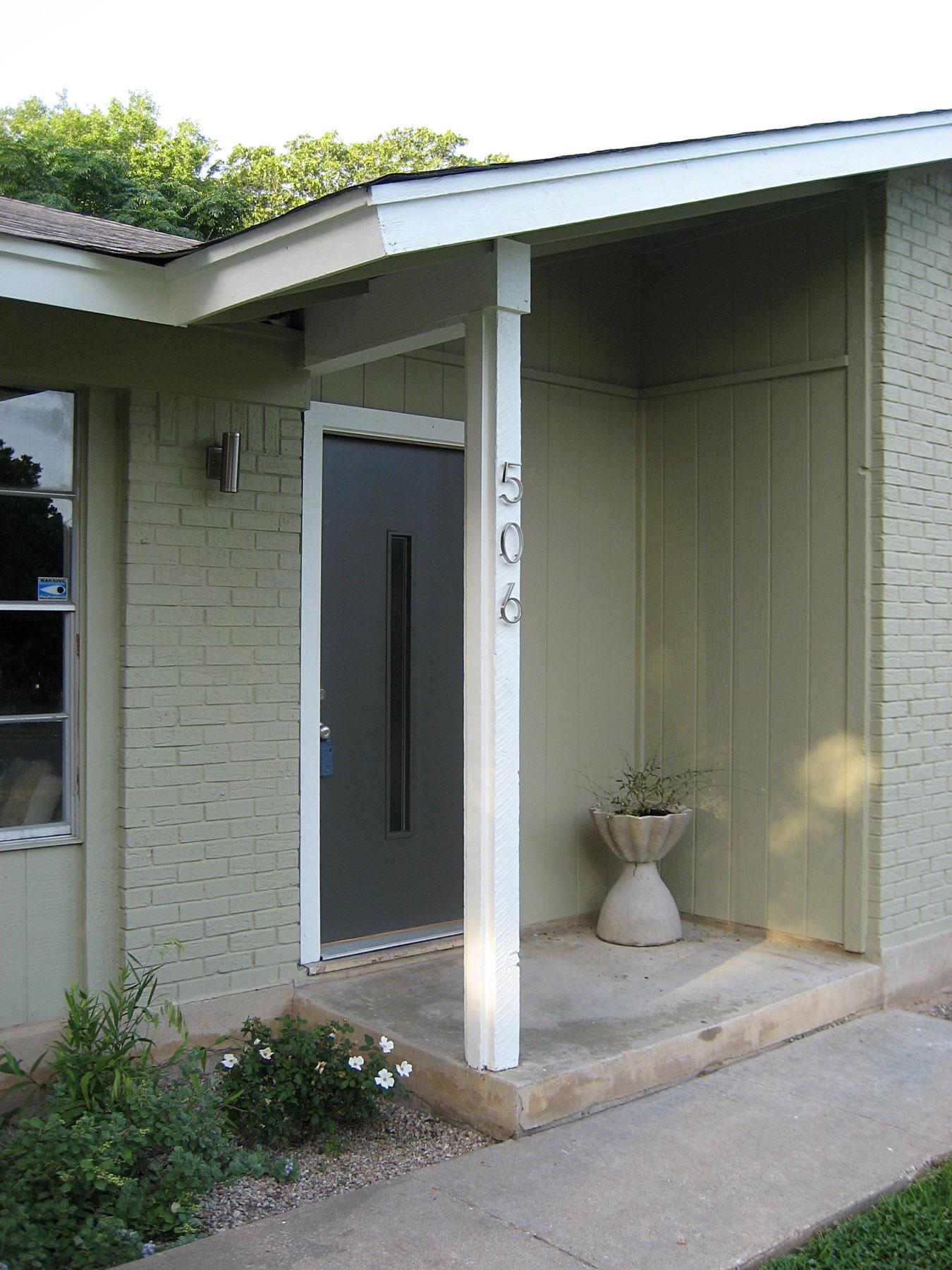 tamworth_entry_door.jpg