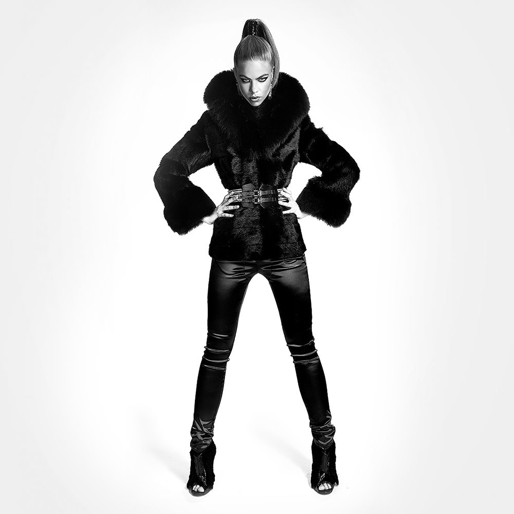 marco-ribbe-photography-fashion-black-fur-coat.jpg