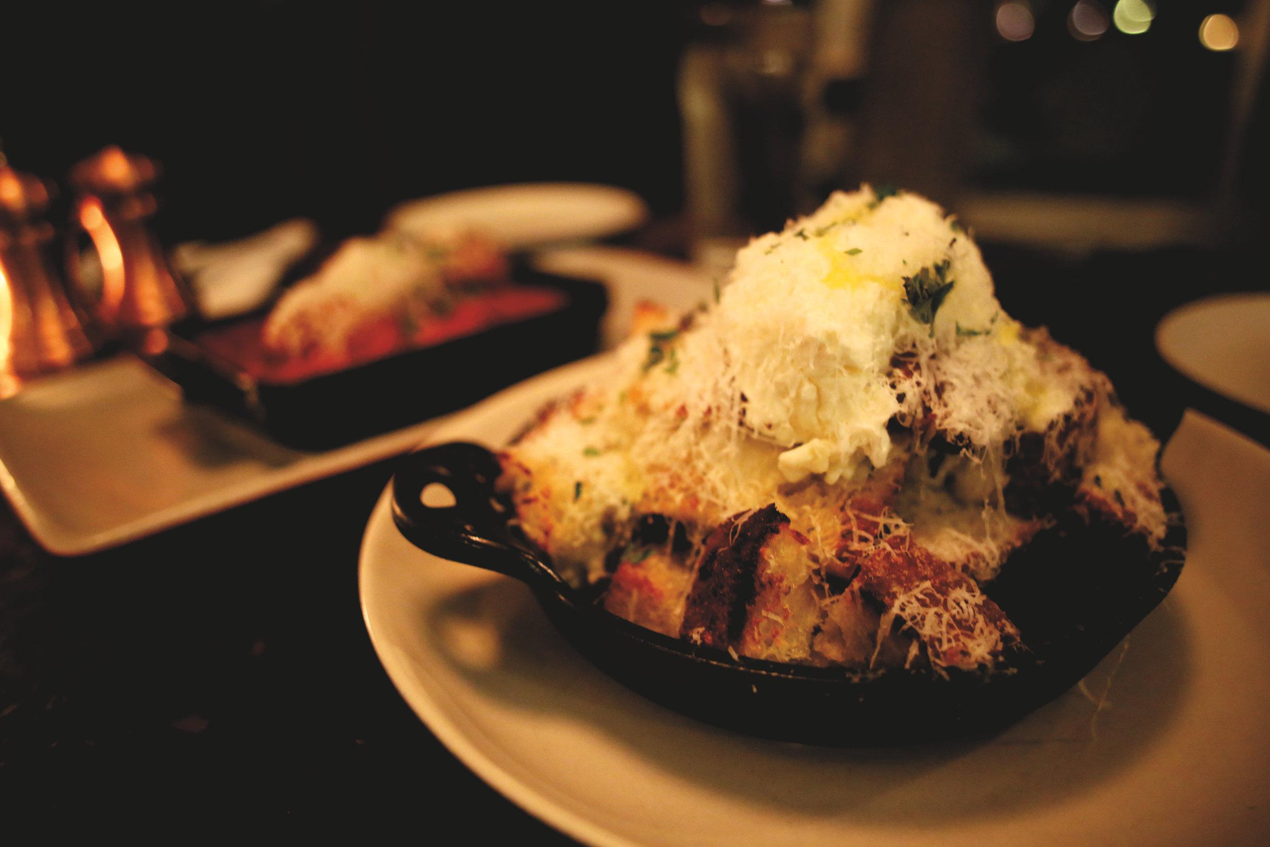 White Truffle Garlic Bread & Meatballs