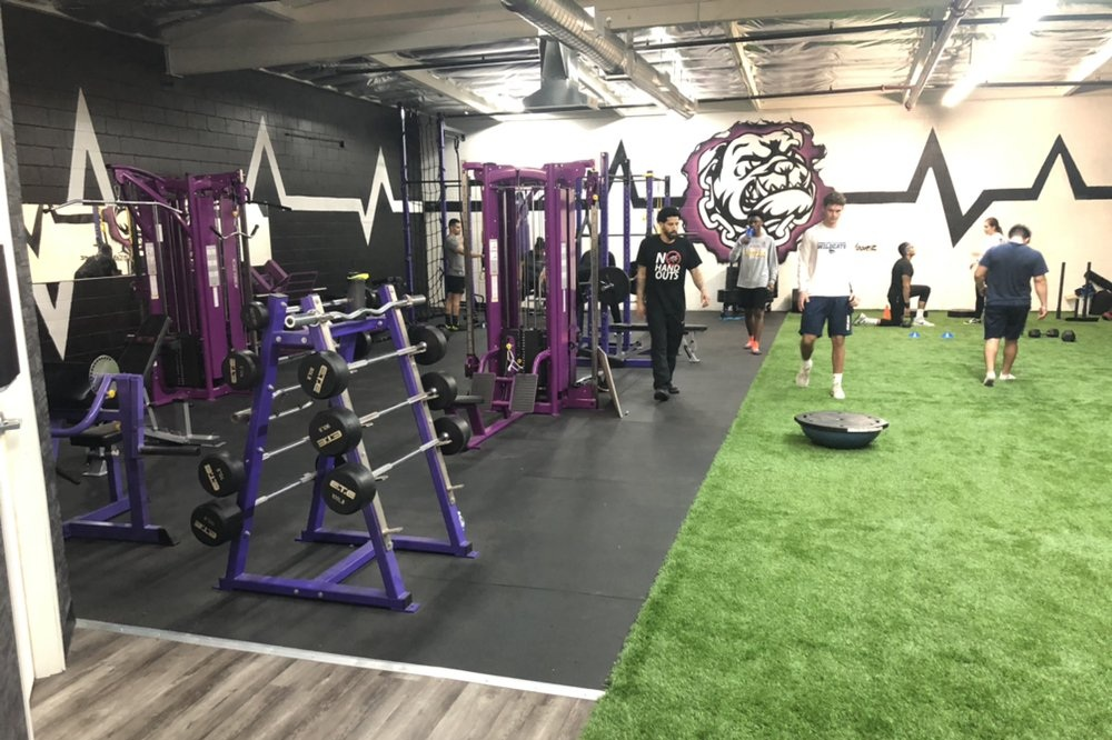 Glendale |District Sports Performance - 1203 S Central Ave, Glendale, CA 91204Hours: 11am - 8pm Sunday and MondayPhone: (818) 913-8409