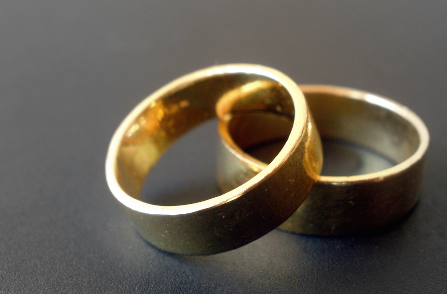 Wedding rings (Abhishek Jacob/Flickr, CC BY-SA 2.0)