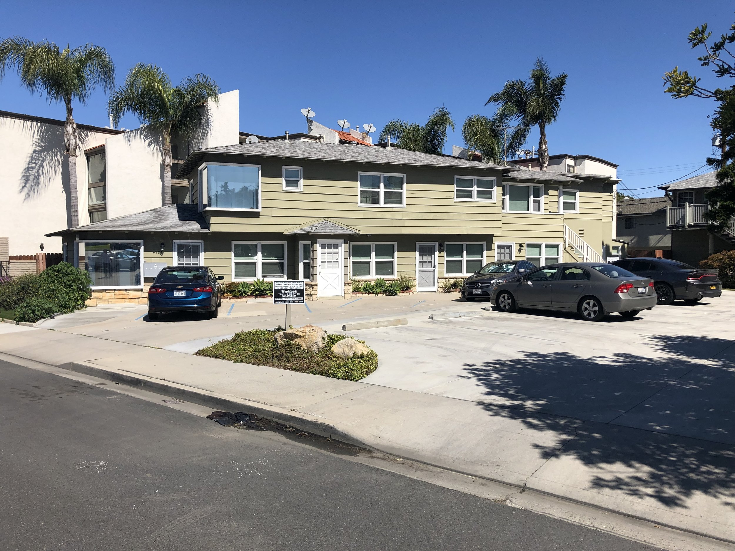 4781 E PCH, Long Beach, Ca 90804 - Recently RenovatedFive On-Site Parking SpotsSeparately Metered for Gas, Water and ElectricDense Rental Market With Low VacancyClose Proximity to CSULB and the Traffic-Circle/Belmont Shore Developments